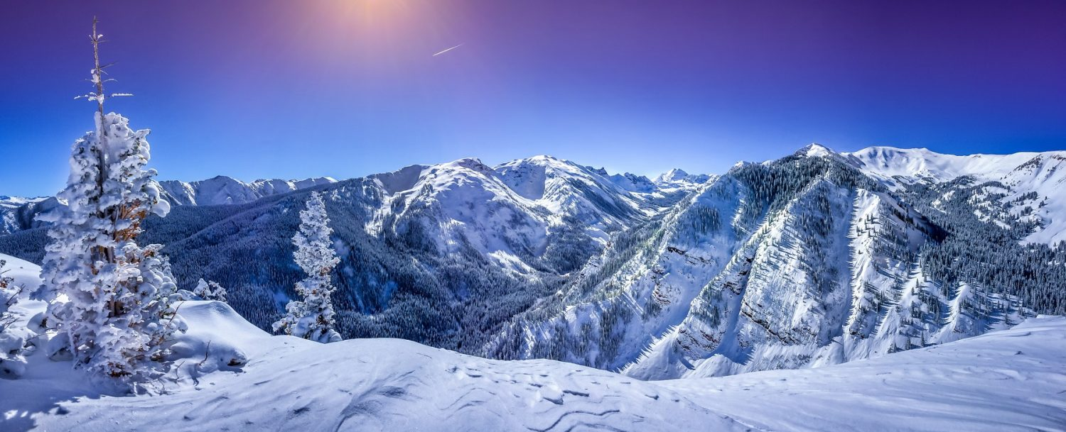 Mountain view of Aspen in March